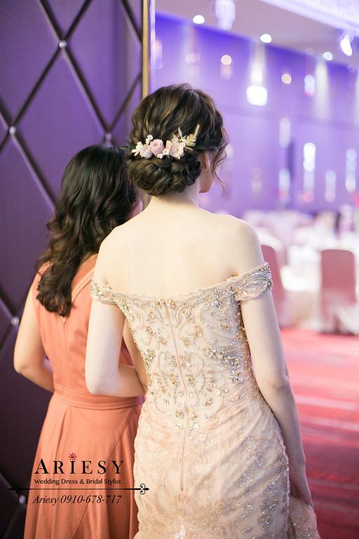 粉色文定禮服,文定新娘造型,新娘秘書,新秘推薦,台北新秘ARIESY,鮮花新秘