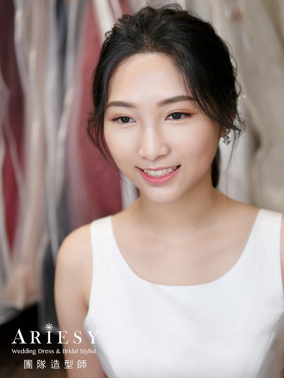 自然清透新娘妝感、新娘造型、韓系風格、美式白紗、愛瑞思婚紗、低馬尾造型
