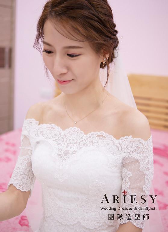 新娘秘書、韓系風格新娘、低盤髮造型、白紗造型、自然輕透妝感