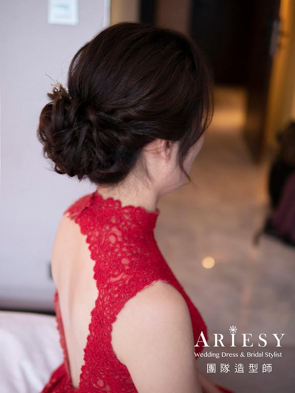 新娘秘書、韓系風格新娘、乾淨簡單低馬尾、蓬鬆盤髮造型、自然輕透妝感