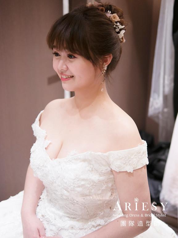 新娘造型、編髮造型、推薦新秘、自然清透妝感、細軟髮新娘、白紗造型