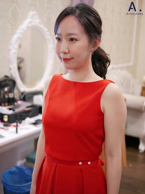韓風新娘造型,時裝造型新秘推薦,時裝感造型,台北新秘,韓系妝感,清透妝感,新板彭園婚禮