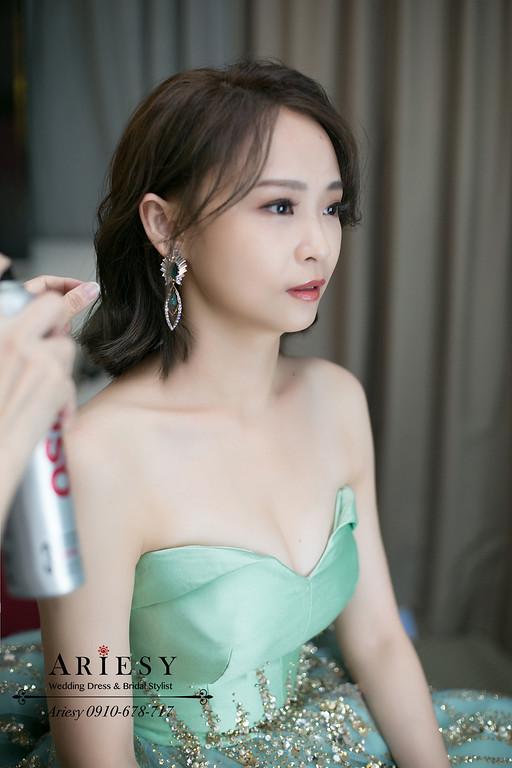 新娘秘書,台北新秘,新秘推薦,送客新娘造型,現場剪短髮新娘秘書,短髮新娘造型