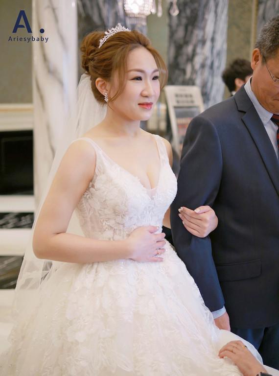 台北新秘,韓系妝感,皇冠造型,編髮造型,高盤髮,新莊典華