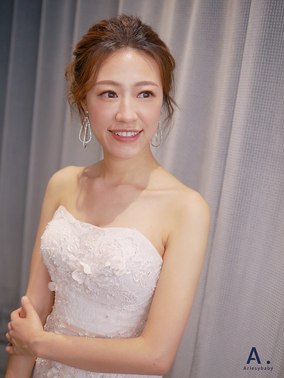 新娘秘書、短髮新娘、歐美新娘、蓬鬆盤髮造型、自然輕透