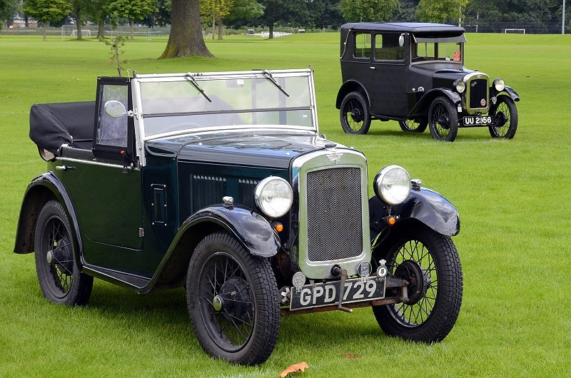GPD 729 TWO SEAT TOURER 1931 & UU 2156 MULLINER SUNSHINE SALOON 1929