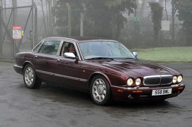 558 BWL DAIMLER SUPER V8