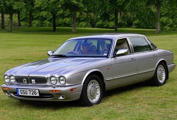 GSU 726 DAIMLER V8 AUTO 1999