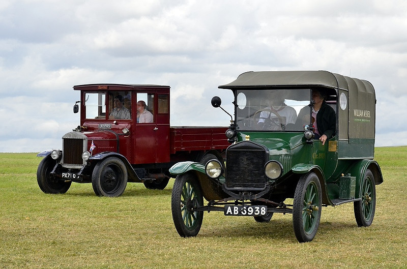 PX 7107 DENNIS 1927 & MODEL T 1918