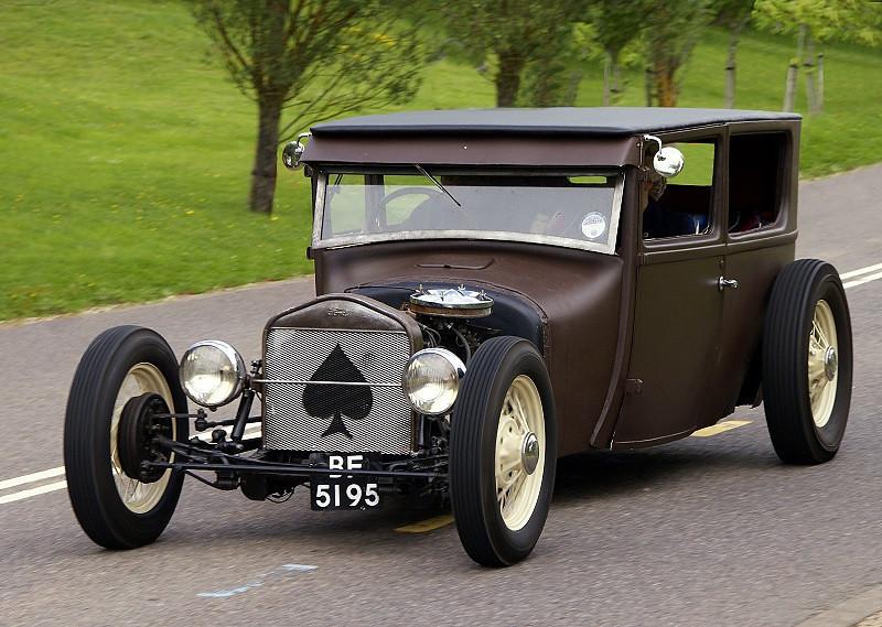 BF 5195 MODEL T SEDAN ROD 1927
