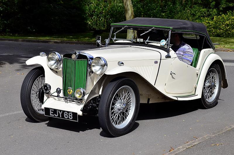 EJY 68 MG TC 1949 1250CC