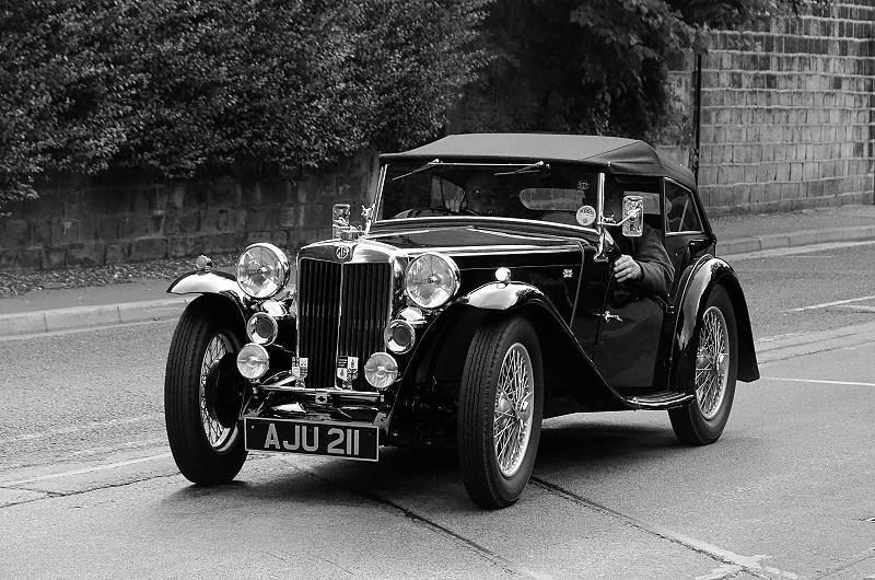 AJU 211 MG TA 1937