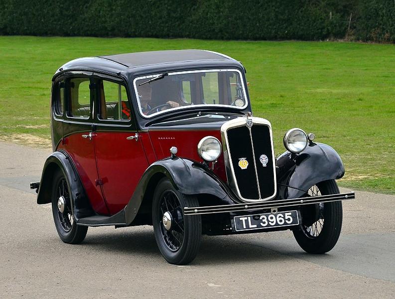 TL 3965 MORRIS 8 1934