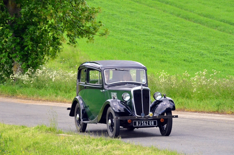 BJ 563 QH MORRIS EIGHT