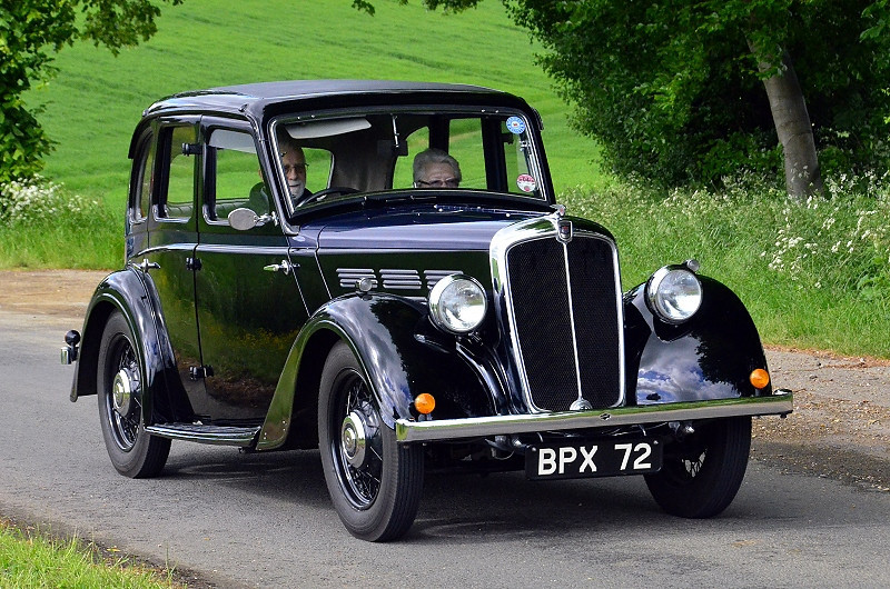 BPX 72 MORRIS TEN SALOON