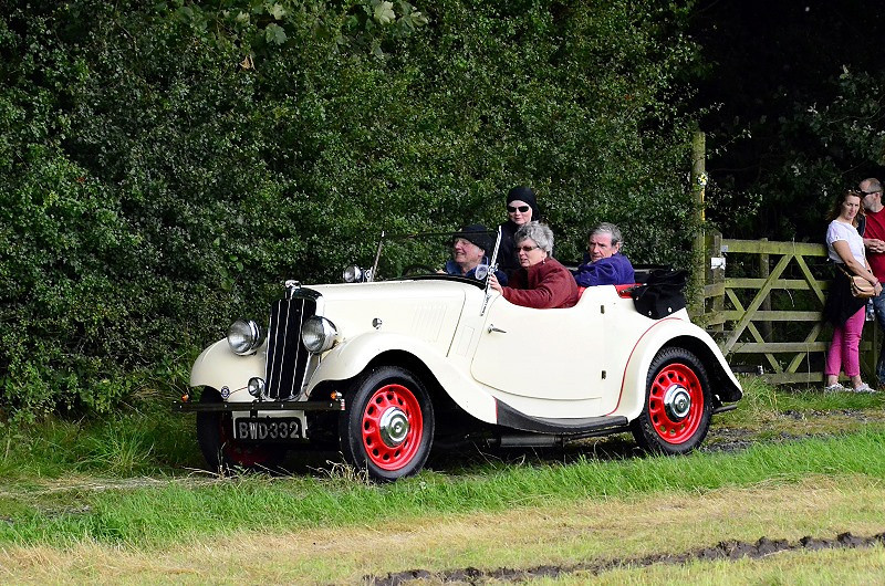 BWD 332  MORRIS 8 TOURER 1937
