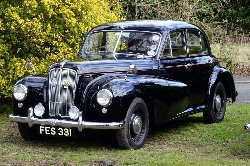FES 331 MORRIS SIX 1953