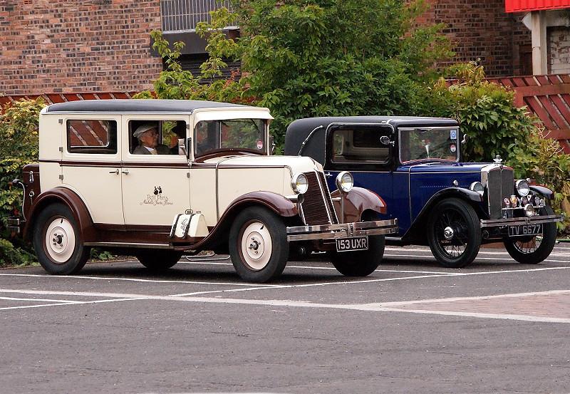 153 UXR RENAULT 1931 & 1934 MORRIS 8