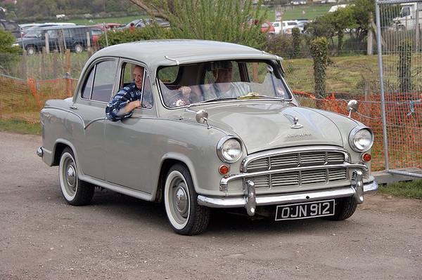 OJN 912 MORRIS OXFORD 1958