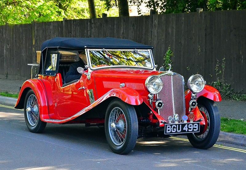 BGU 499 TRIUMPH TOURER 1934