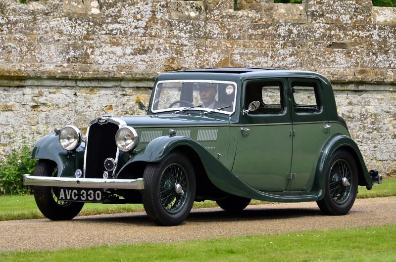 AVC 330 GLORIA SIX SALOON 1935