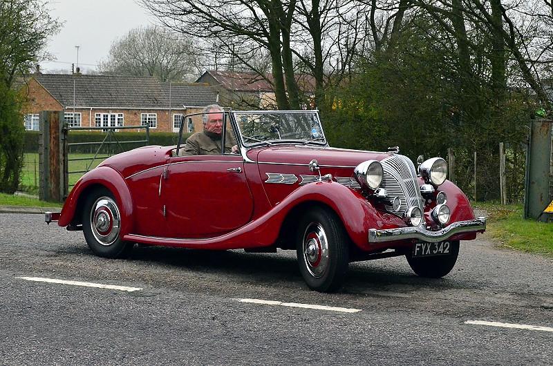 FYX 342 DOLOMITE ROADSTER 1940,
