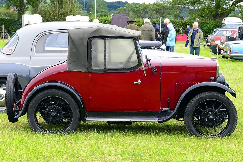 GJ 3323 TRIUMPH SUPER 7 1930