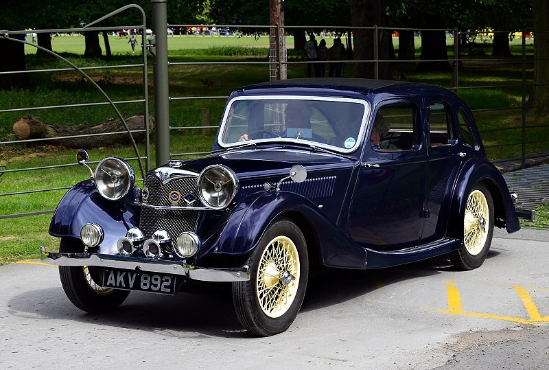 AKV 892 RILEY 12-4 SIX LITE KESTREL 1936