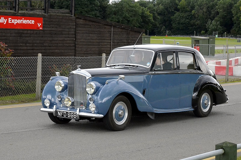 NFD 666 BENTLEY R-TYPE