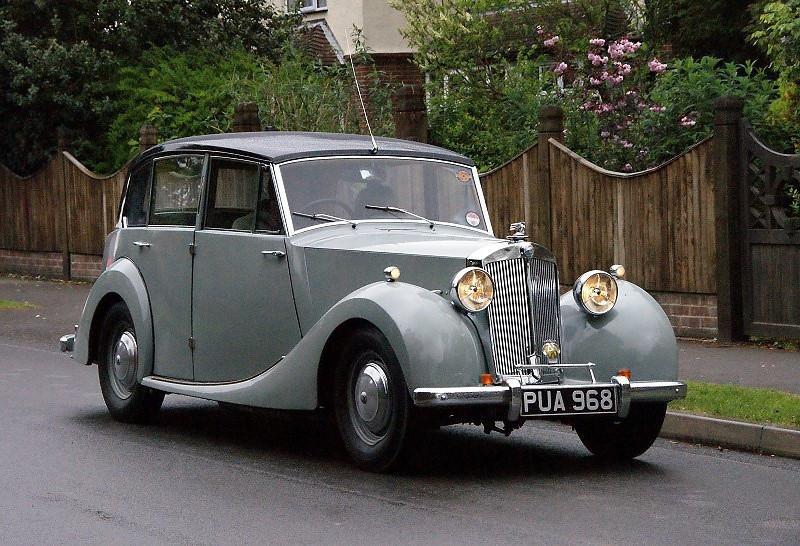 PUA 968 TRIUMPH RENOWN 1952