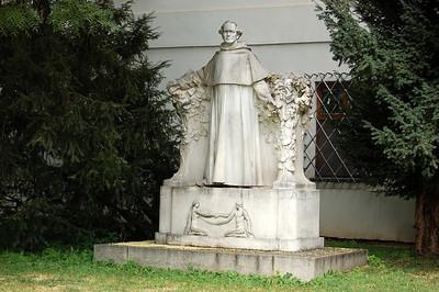 BRNO MENDEL SQUARE - BREWERY - MONASTERY- JOHANN GREGOR MENDL -  BASILICA  of QUEEN RICHENZA
