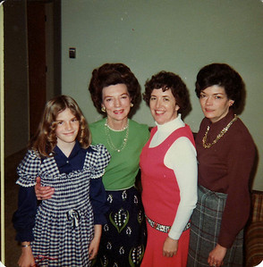 Lisa, Grandma, Mom, Bette