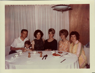 Dad, Lisa, Donna, Sandi, Vicky, Mom 1967