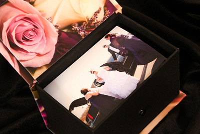 Memory box images are chosen from photos captured at your wedding.