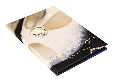 The bride and grrom have the option of choosing the same image for both a Custom DVD case and Custom Memory Box.....or two different images.