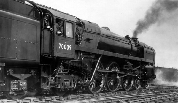 70009 Alfred the Great at Crewe