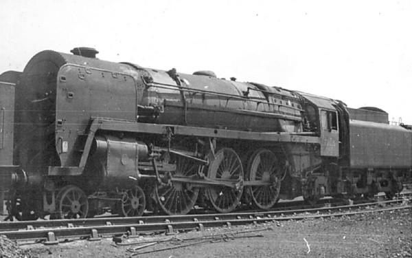 70015  Apollo  1968 Carlisle Upperby  Waitng for the scrap man (2)