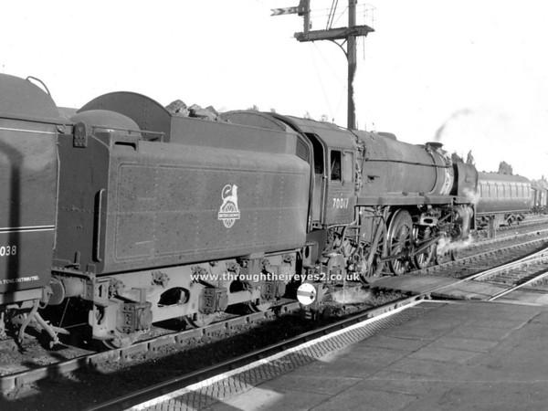 70017 Arrow Kettering 1960 (2)