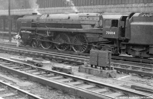 70014 Iron Duke Victoria Station 1957 (2)