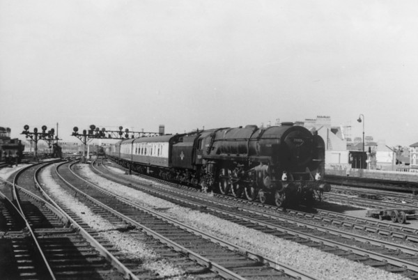 70024 Vulcan approaching Cardiff from Swansea September 1958