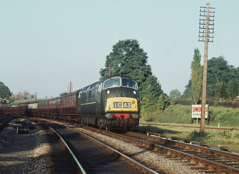 An unidentified Warship D8xx Class passes Southcote at the head of the down 3.30 ex-Paddington on 21 October 1962.