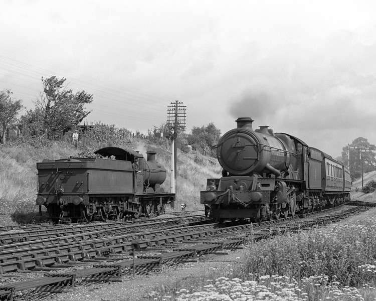 "Another shot of the same ""wrong line working"".  Here 6029 King Edward VIII arrives with a down express while Collett Goods 2251 waits ""in case of need""."
