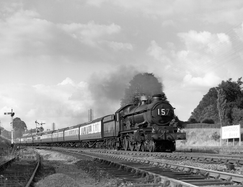 5056 Earl of Powis heading the down 5.30pm ex-Paddington past Southcote Junction about 1952.