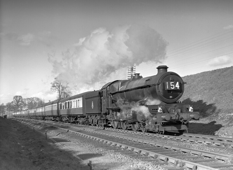 Another King near Southcote.  This time the train is the 3.30pm ex-Paddington and the date is 30 March 1953.