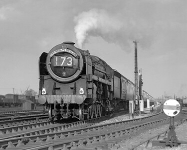 Another Canton Britannia (this time 70021 Morning Star) on the down Red Dragon approaching Reading West Junction.  This quarter plate shot is undated but is likely mid-1957.  The original small front footsteps indicate that it is earlier than November 1957.