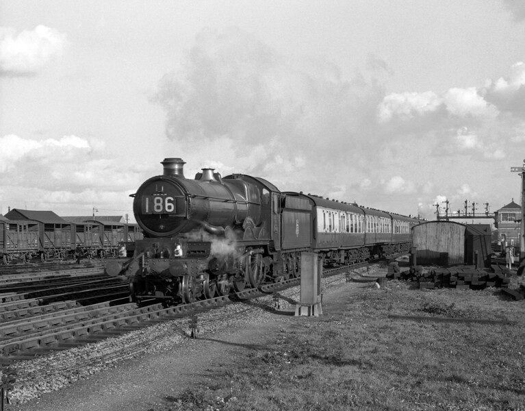 7005 Sir Edward Elgar passing Reading MPD at the head of the 1.45pm ex-Paddington on 19 October 1957.