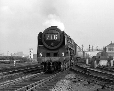 Another unidentified Britannia photographed on 12 October 1957.  The notes identify the train as the second part of the 1.55 ex Paddington.  The train reporting number is presumably left over from the locomotive's earlier working of a train from Cardiff to Paddington.