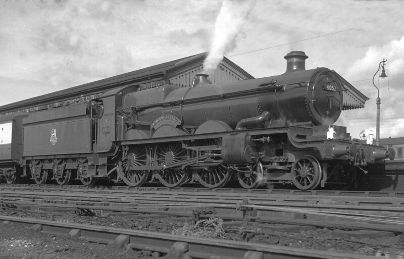 Star class 4052 Princess Beatrice at Reading General station in 1951.  At this stage of his photographic career my father was only able to take photographs from the public domain which results in a few strange angles.  However, this is one of very few pictures of the Star class he ever took.
