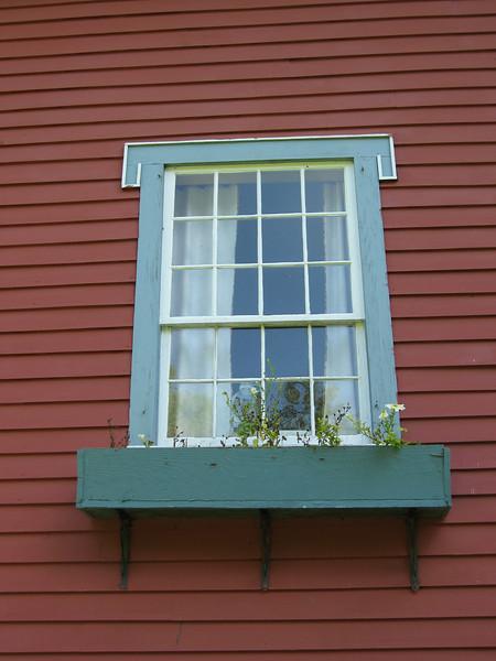 70 Windowbox Detail
