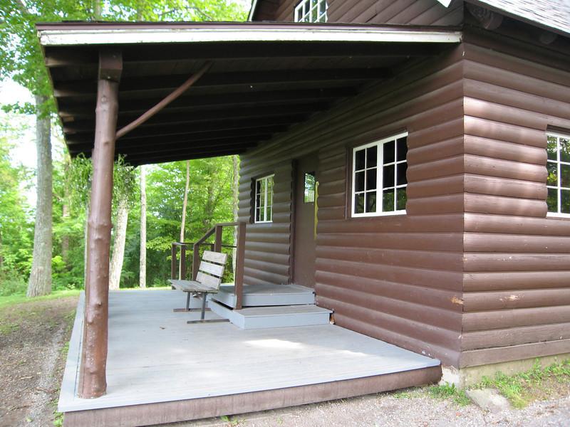 42 Summit Picnic Lodge